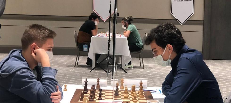 2020 Türkiye Satranç Şampiyonasında Şanal Liderliğini sürdürüyor!