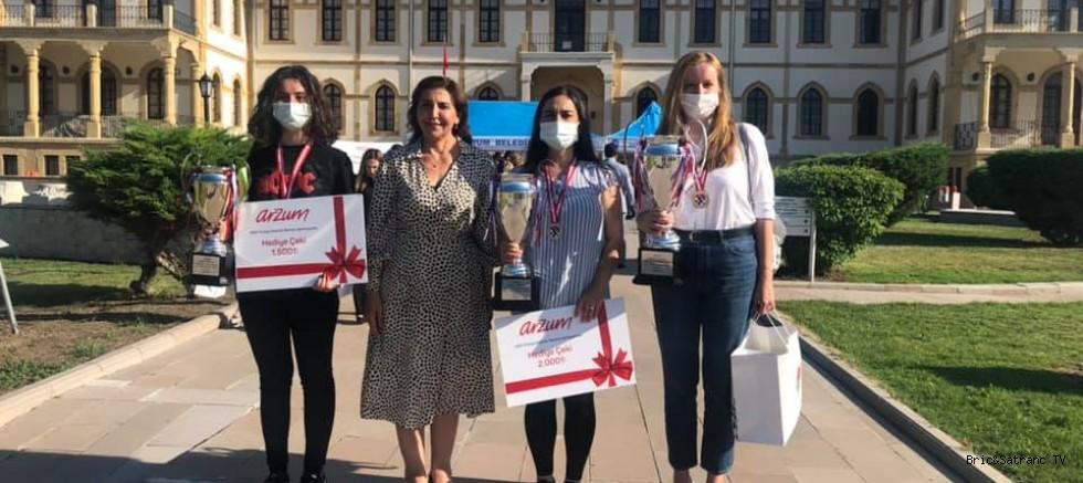 Atalık Türkiye Kadınlar Satranç Şampiyonu!