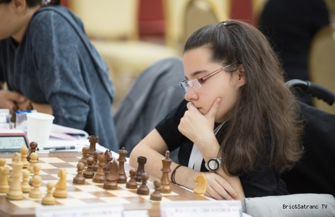 Handenur Şahin FIDE Resmi web sitesinde!